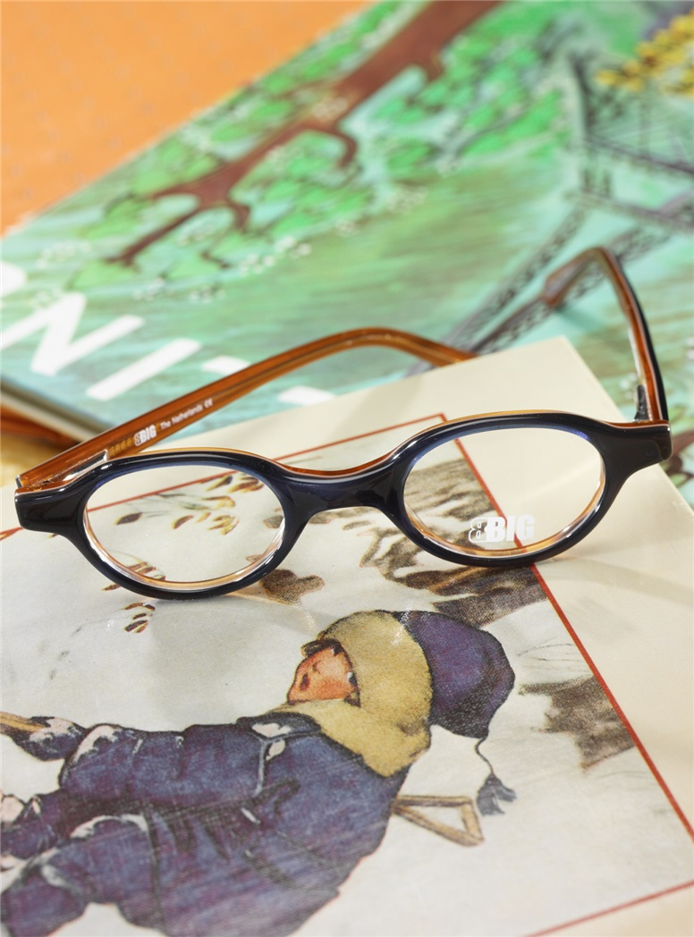 Kids Oval Frame in Navy and Tan
