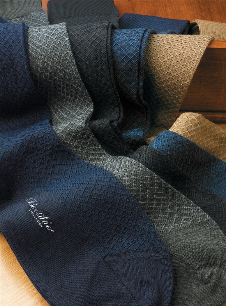 Two-tone Grid Pattern Socks in Wool & Cotton