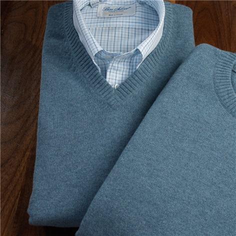 Cashmere V-neck Sweater in Fog