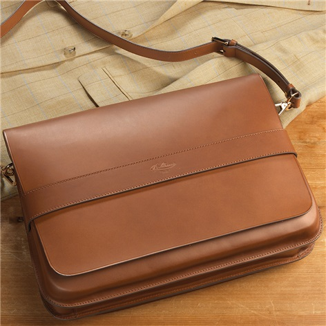 Leather Messenger Bag in Dark Tan